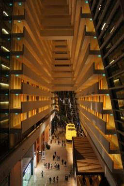 Für rund 525 SGD (350 EUR) die Nacht kann man sich im Hotel Marina Bay Sands zur Ruhe legen