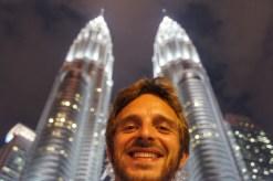 Ich und die Petronas Twin Tower in Kuala Lumpur