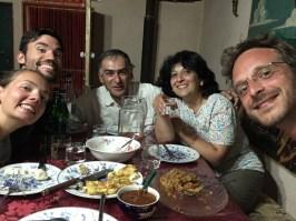 Zusammen mit anderen französischen Gästen