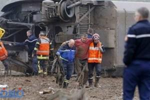 قطار فائق السرعة بفرنسا يخرج عن مساره ويقتل 7 أشخاص ويصيب آخرين
