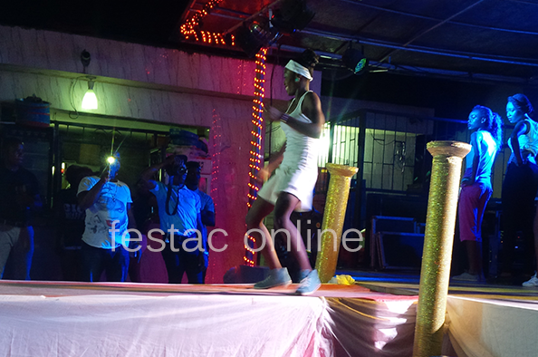 2nd-Runner-Up-Showcasing-her-talent-Face-Of-amuwo-Odofin-2015-Festac-online