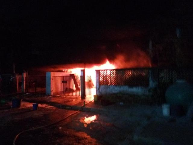 fire-destroyed-houses-in-festac-2