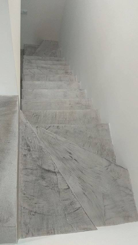 efekt betonu na schodach