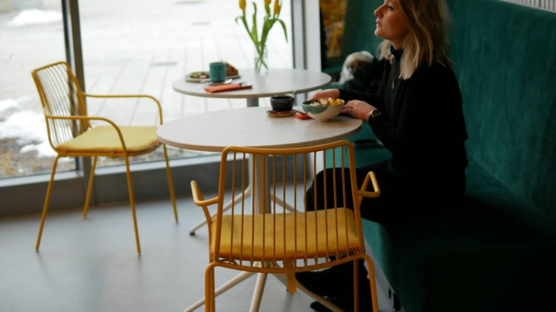 Posadzka z mikrocementu w kawiarni