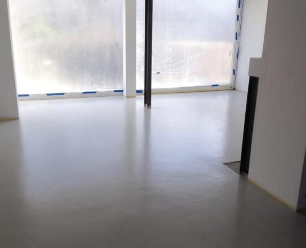 Mikrocement można stosować na ogrzewaniu podłogowym