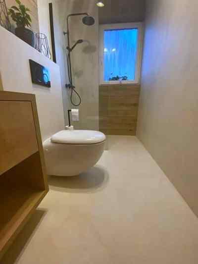 wodoodporny mikrocement w łazience - podłoga i ściany