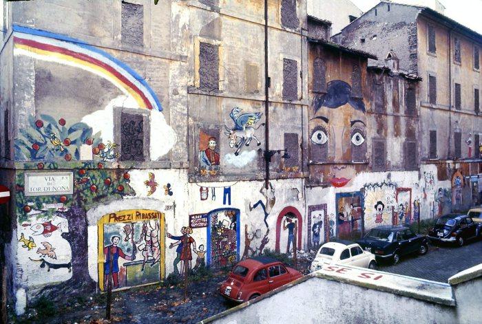 Roma con il naso all'insù: le facciate parlanti passeggiando dal rione Regola a via Tor di Nona