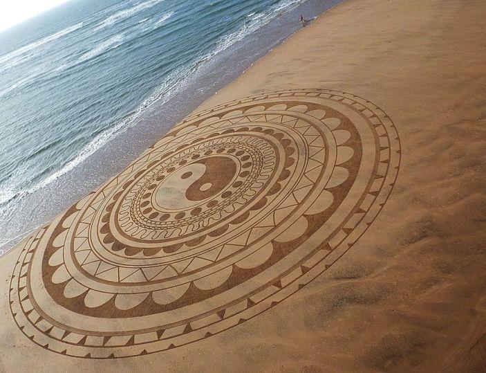 Beach_art_Michel_Jobard (11)