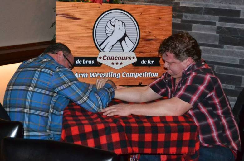 mario-and-leo-bruneau-at-arm-wrestling