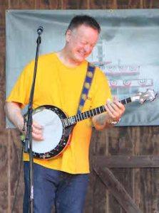 Danny Barnes playing the banjo