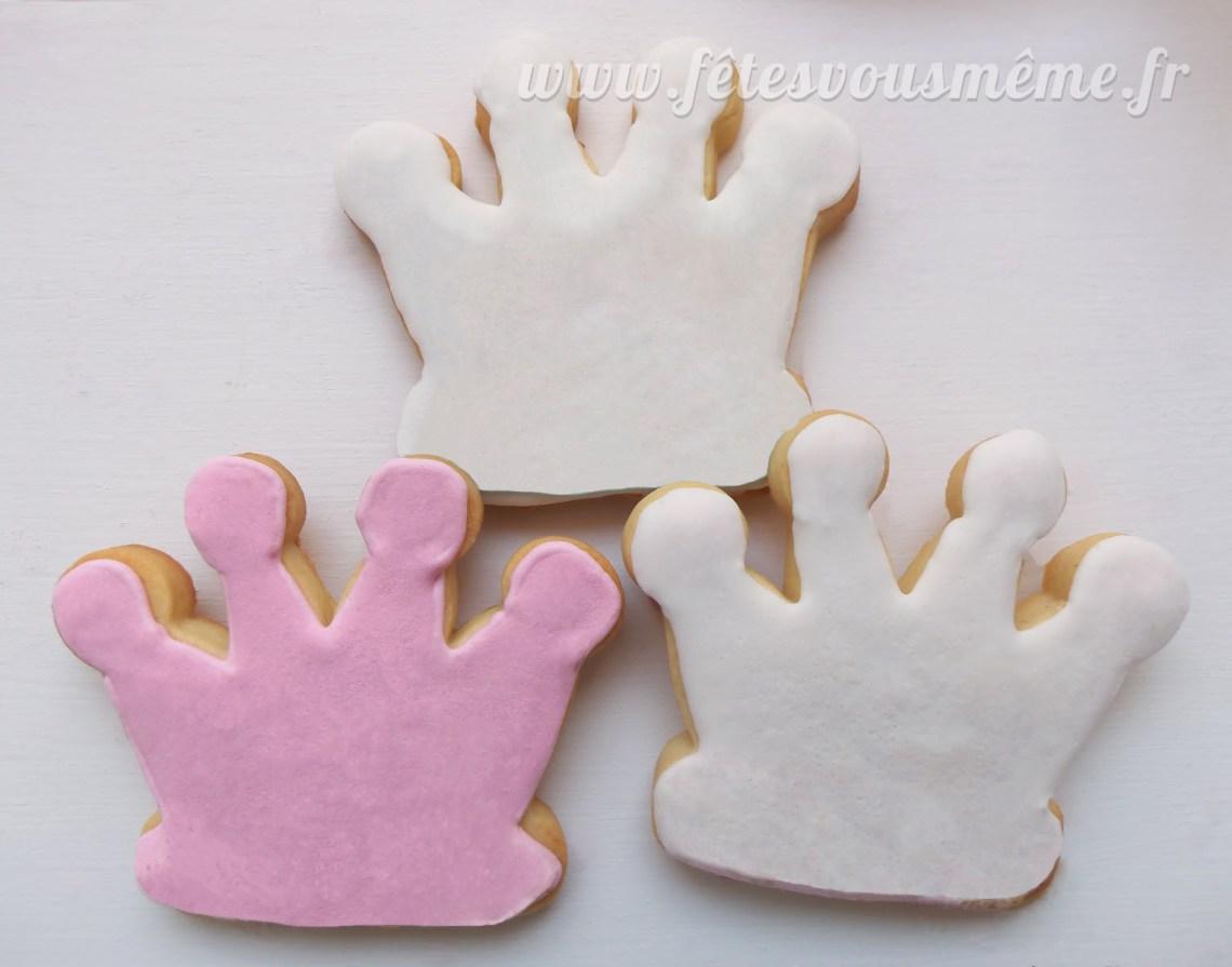 Table Gourmande Princesse & Chevalier - biscuits couronne - Fêtes vous même