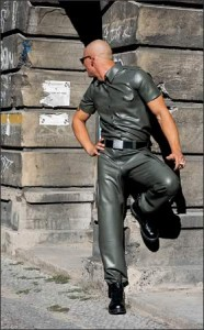 Latex policeshirt with short sleeves, 0,60 mm