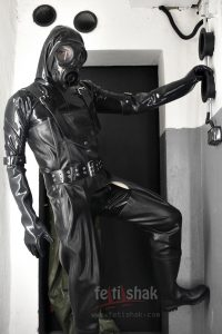 BUCKLE HEAVY RUBBER GLOVES 1