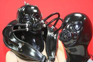 ラバーズファイネスト、ガスマスクタイプ全頭ラバーマスクの限定オファーを実施