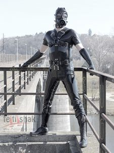 CROSSHARNESS - RUBBER BODY HARNESS 1