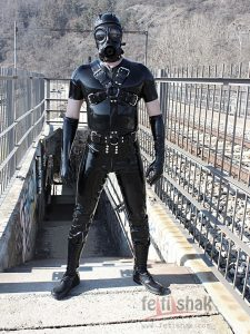 CROSSHARNESS - RUBBER BODY HARNESS 2