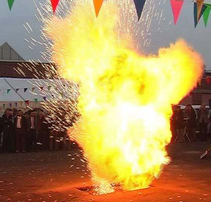 Flammenexplosion Pyroshow