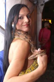 Feuershow mit Schlangen-Bauchtanz