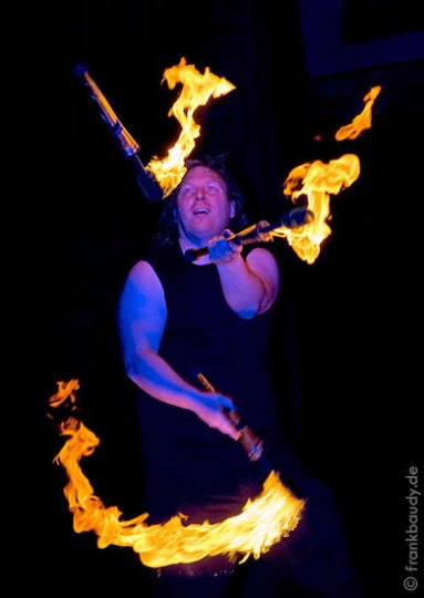 Sams Feuershow Feuerfackeln Jonglage