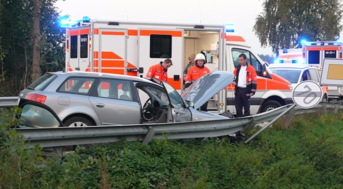 Zusammenprall von zwei Autos auf der Landwehrstraße in Lohne
