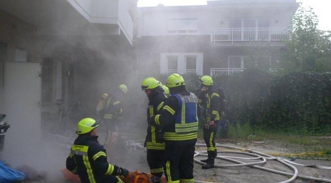 Feuerwehr Lohne übt Brand im ehemaligen Elektronikmarkt