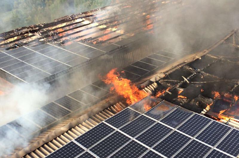 rheurdt_dlk_dach_feuer_photovoltaik