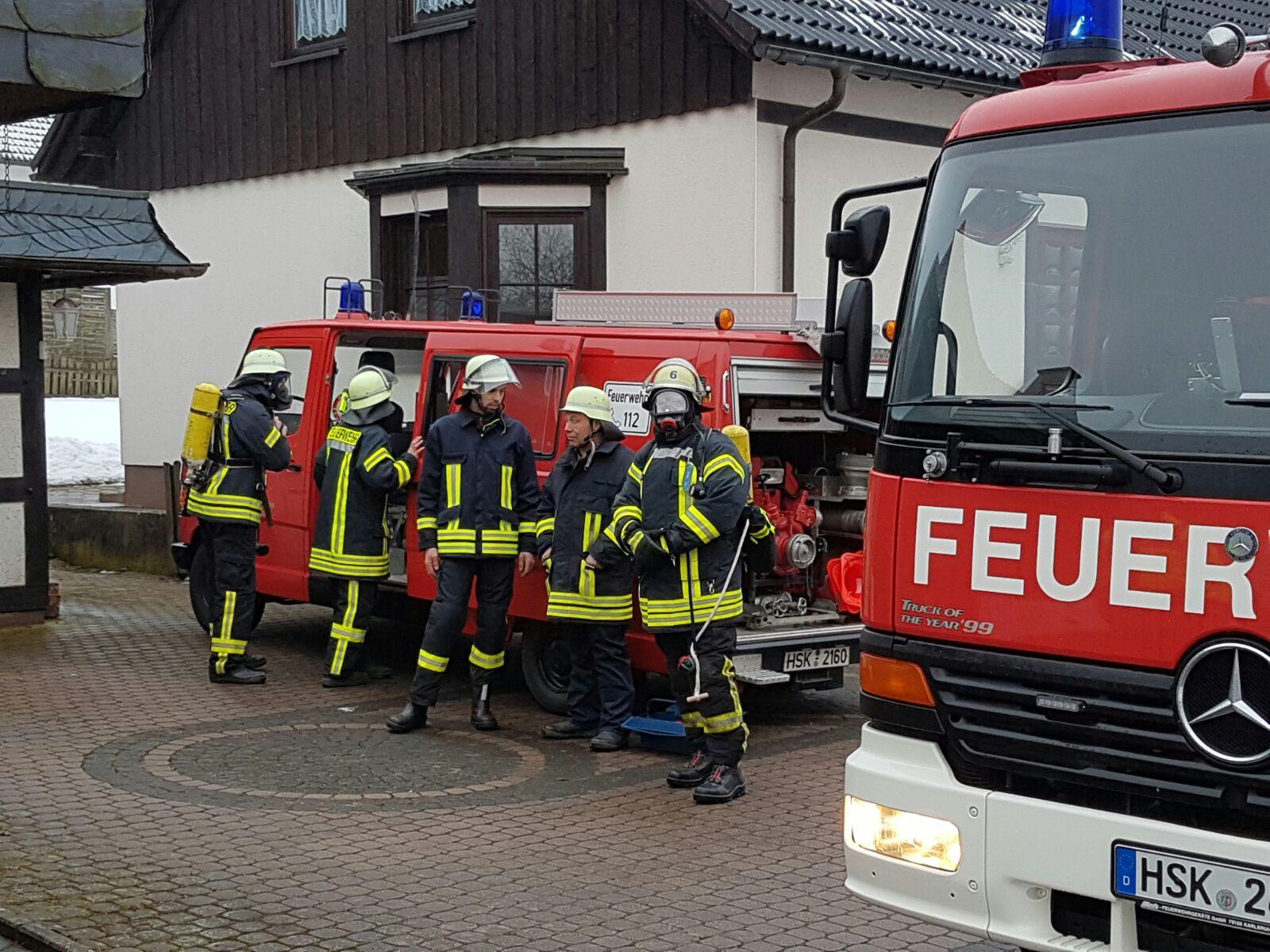 Zimmerbrand im Dachstuhl eines Hauses im Wormbach