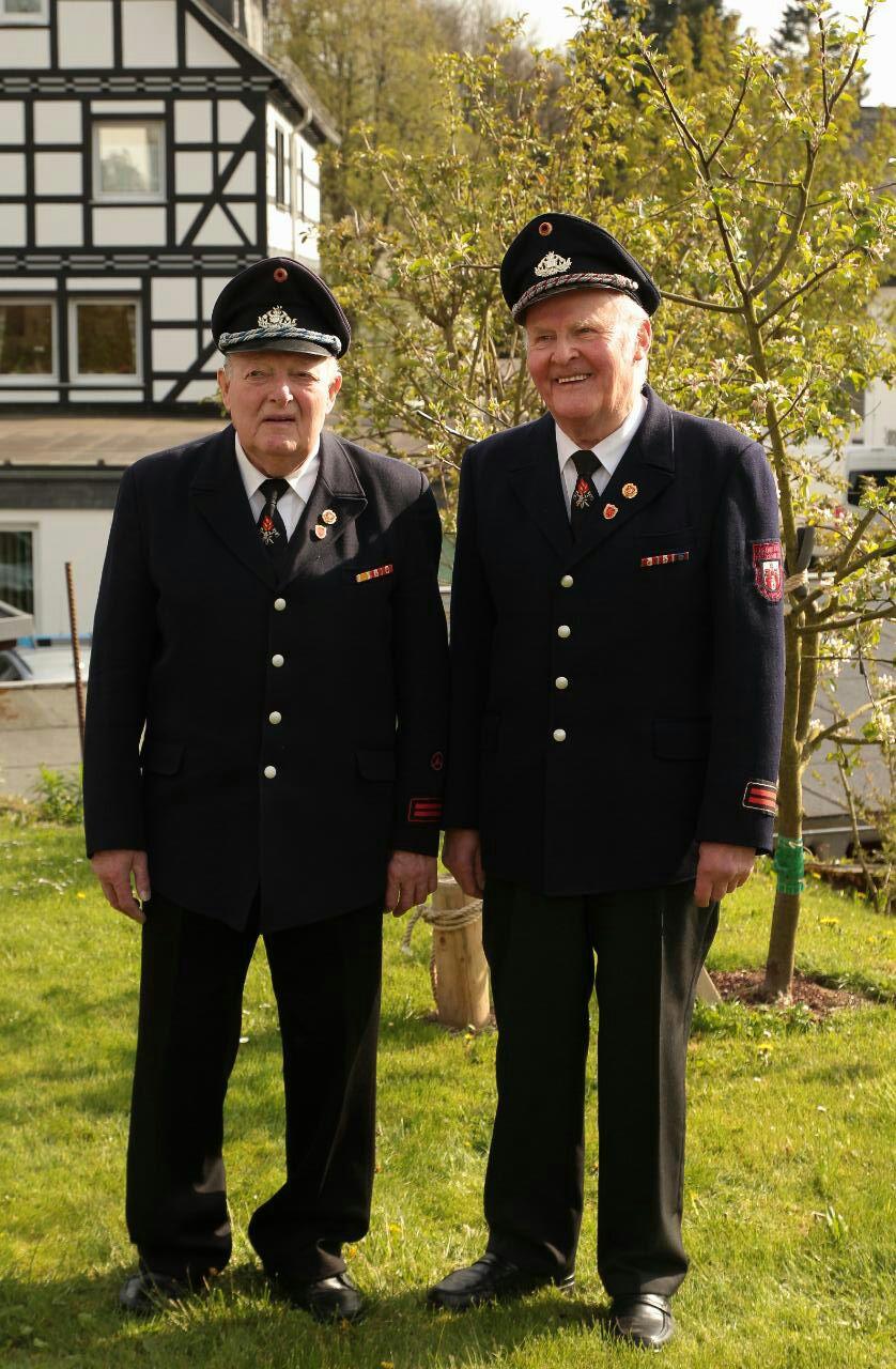 Über 140 Jahre Treue zur Feuerwehr
