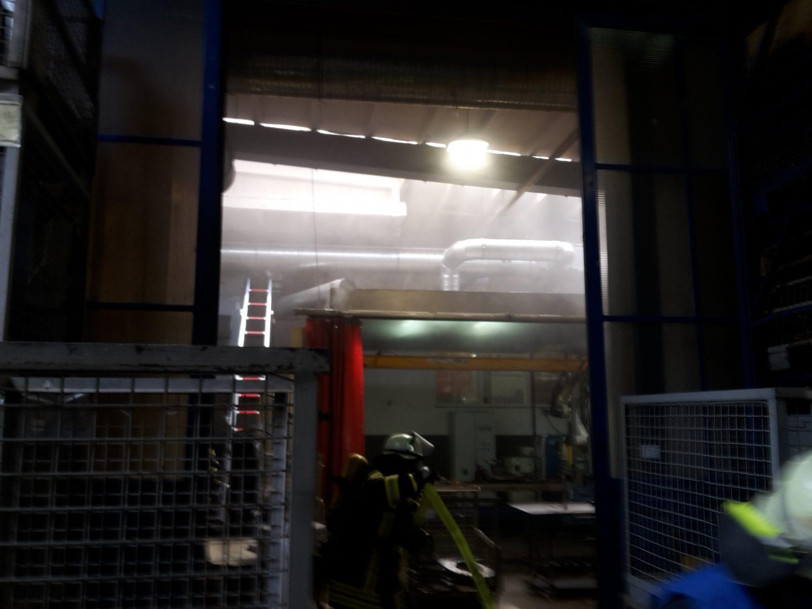 Brandeinsatz in metallverarbeitenden Betrieb in Schmallenberg