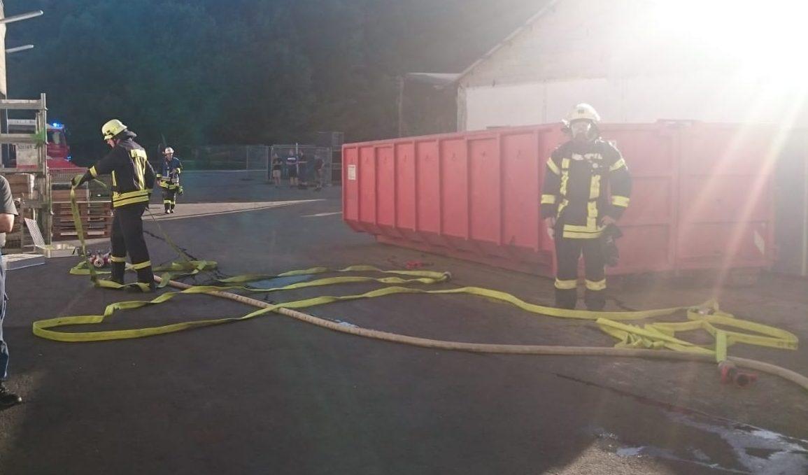 Brand in einem Gewerbebetrieb in Bödefeld