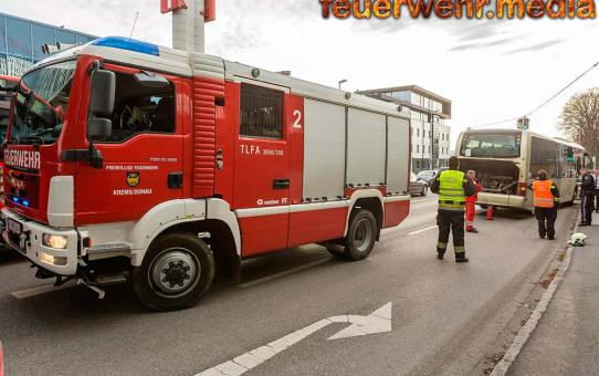 Fahrzeuglenker löscht Entstehungsbrand an seinem Autobus