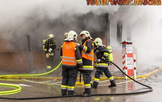Imbisslokal in Krems-Gneixendorf ausgebrannt