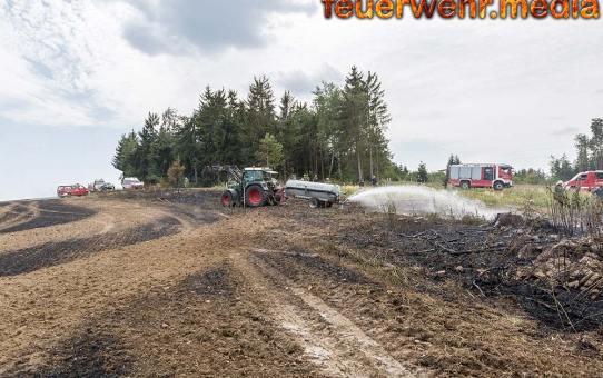 Kleiner Entstehungsbrand breitet sich rasend schnell auf 60.000 m² Fläche aus