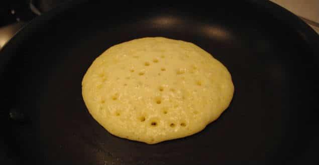 Recette de pancake en cuisson- Feuille de choux