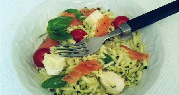 Courgette crue en salade - Feuille de choux