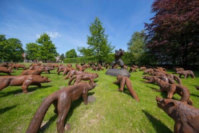 "© NordArt 2017 / Liu Ruowang (China) ""Wolves Coming"", 2008-2010, steel casting, 110 parts, each 110x90x220 cm"