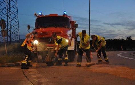 Ölbindeeinsatz Feuerwehr Leopolsdorf