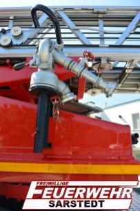 Das Wenderohr, welches zur Brandbekämpfung genutzt wird, ist an der rechten Seite der DLK angebracht.