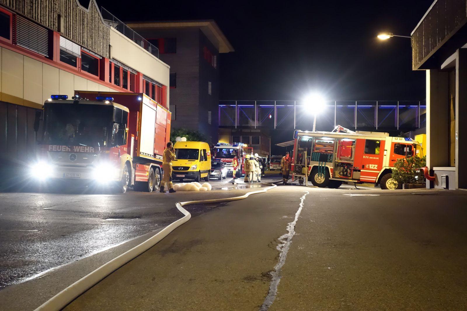 06082016 Brand In Der Adlerwerk Lackfabrik Freiwillige