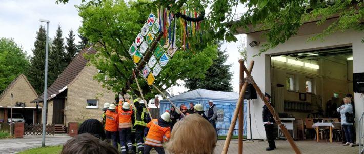 Maibaum-Fest im Auenweg