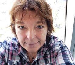 A portrait of Fiona Faith Ross author