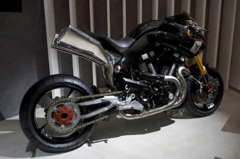 Yamaha MT-0S, allure de bolide