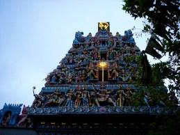 Temple Indien dans le quartier de Little India, image colorée sur fond de musique evoutante et de chaleur