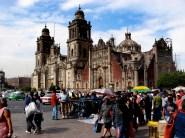 La grande place Zocalo et la cathédrale