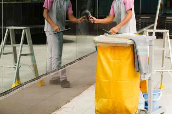 FGK Services - Janitorial Services - Shopping Malls: The Key To a Clean Facility