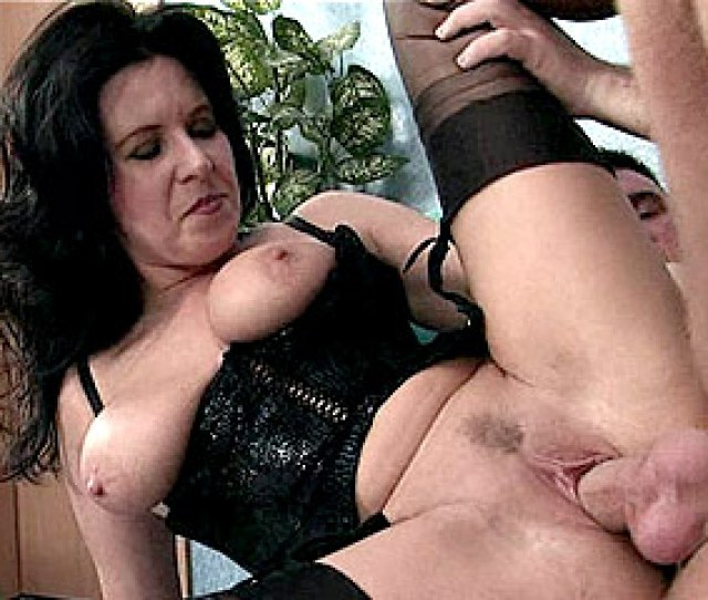 Amateur Nude Photo Submit Mature Bitch In Corset Having Her Pussy Plugged Click Here To Watch The Movies