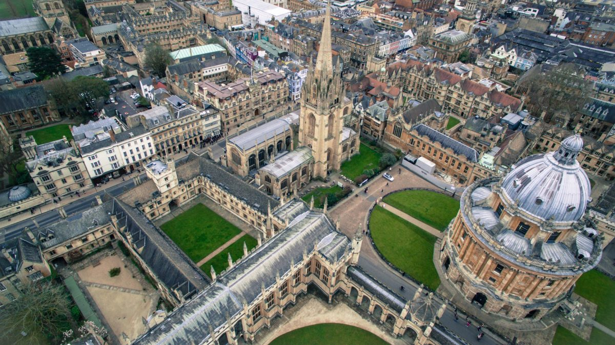 Bird's view of the historic city of Oxford