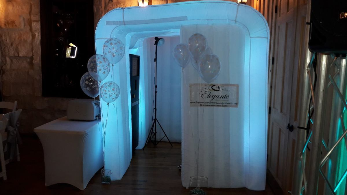 Elegante Photo Booth for 2017