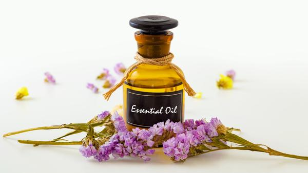 Helpful Tips for Building Your Essential Oils Brand