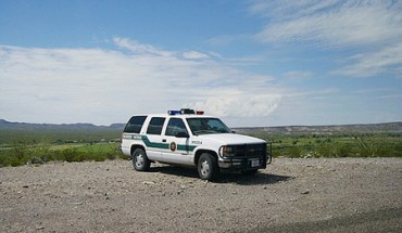 Border Patrol truck - Photo: esteban_/flickr
